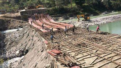 Photo of गोरखामा बन्दाबन्दैको पुल ढल्यो, तीन घाइते