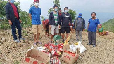 Photo of दुई युवा समाजसेवीद्वारा घया्ङसिंङका १५ घरधुरीलाई खाद्यन्न सामाग्री वितरण ।।