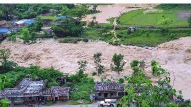 Photo of तनहुँको बजारमा सेती नदी पस्यो, ४२ घर डुबानमा
