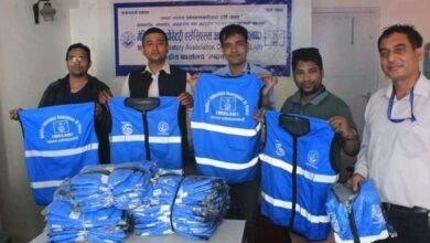 Photo of मेलान केन्द्रलाई KDM फाउण्डेशन द्वारा ज्याकेट सहयोग
