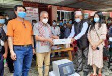 Photo of डा. भट्टराइले दिए गाेरखा र अाँपपिपल अस्पताललाइ अत्याधुनिक रगत परीक्षण मेसिन