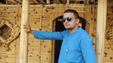 Photo of अमर नहर्कीद्वारा लिखित गीत 'लाखौं तारा आकाशैमा' बजारमा – भिडियाेसहित