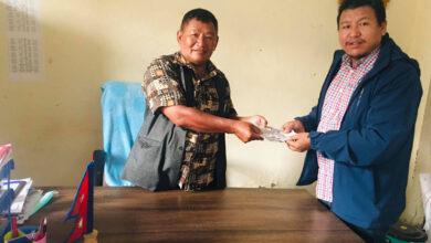 Photo of दुबारगाउँका पहिरोपीडितलाई लमजुङ परिवार दक्षिण कोरियाको २५ हजार राहत सहयोग
