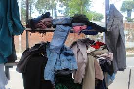 Photo of बेनीघाट बजारको नि:शुल्क कपडा घरलाई काठमाडौंबाट पाठकबाट कपडा सहयोग