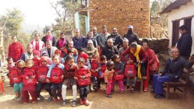 Photo of आफ्नै बचत तथा ऋण सहकारी संस्थाले विद्यार्थीका लागि शैक्षिक सामग्री प्रदान