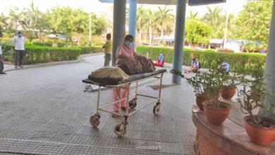 Photo of अस्पताल प्रांगणमा दुई घण्टा छटपटी, तर अक्सिजन नपाएर मृत्यु